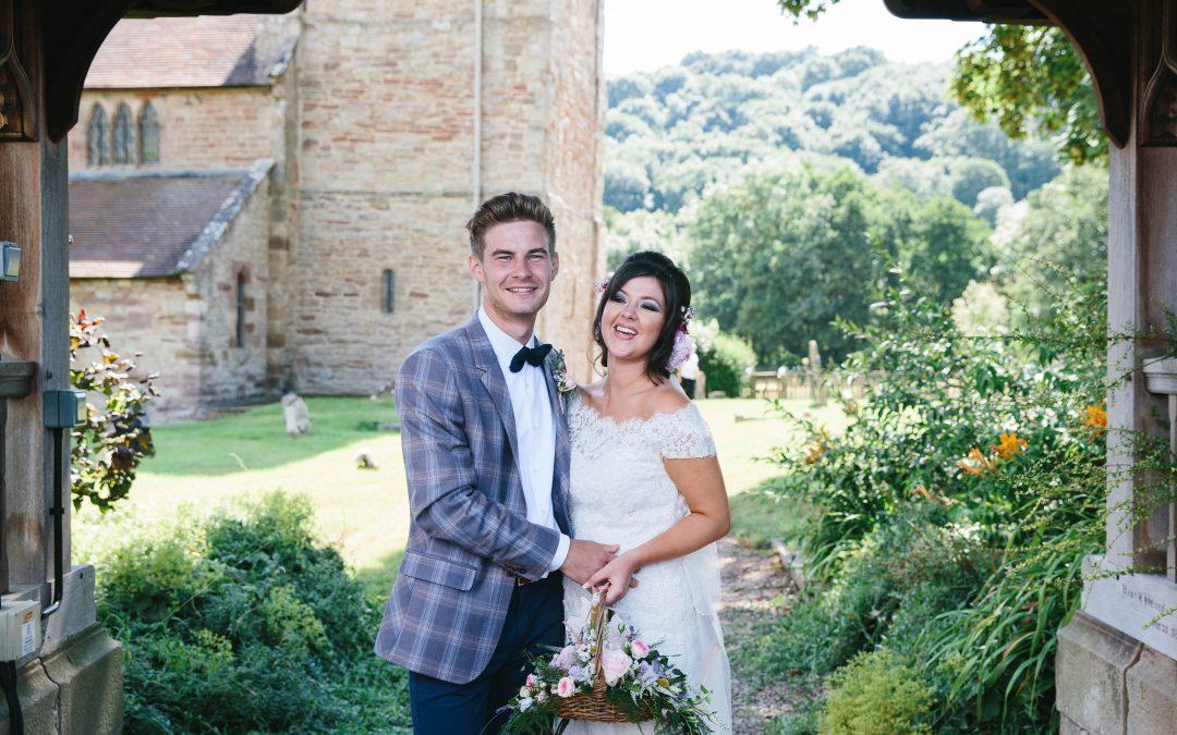 OUTDOOR TIPI WEDDING | BRIDGNORTH