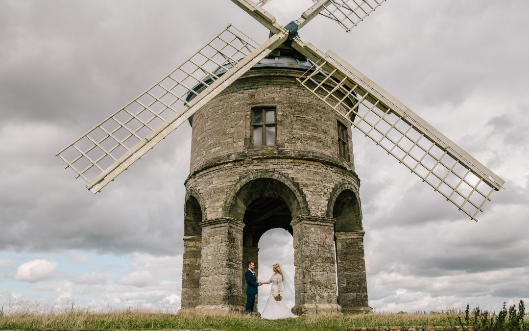 WEDDING PHOTOGRAPHY   FINDING THE PERFECT BACKDROP FOR YOUR COUPLE SHOTS