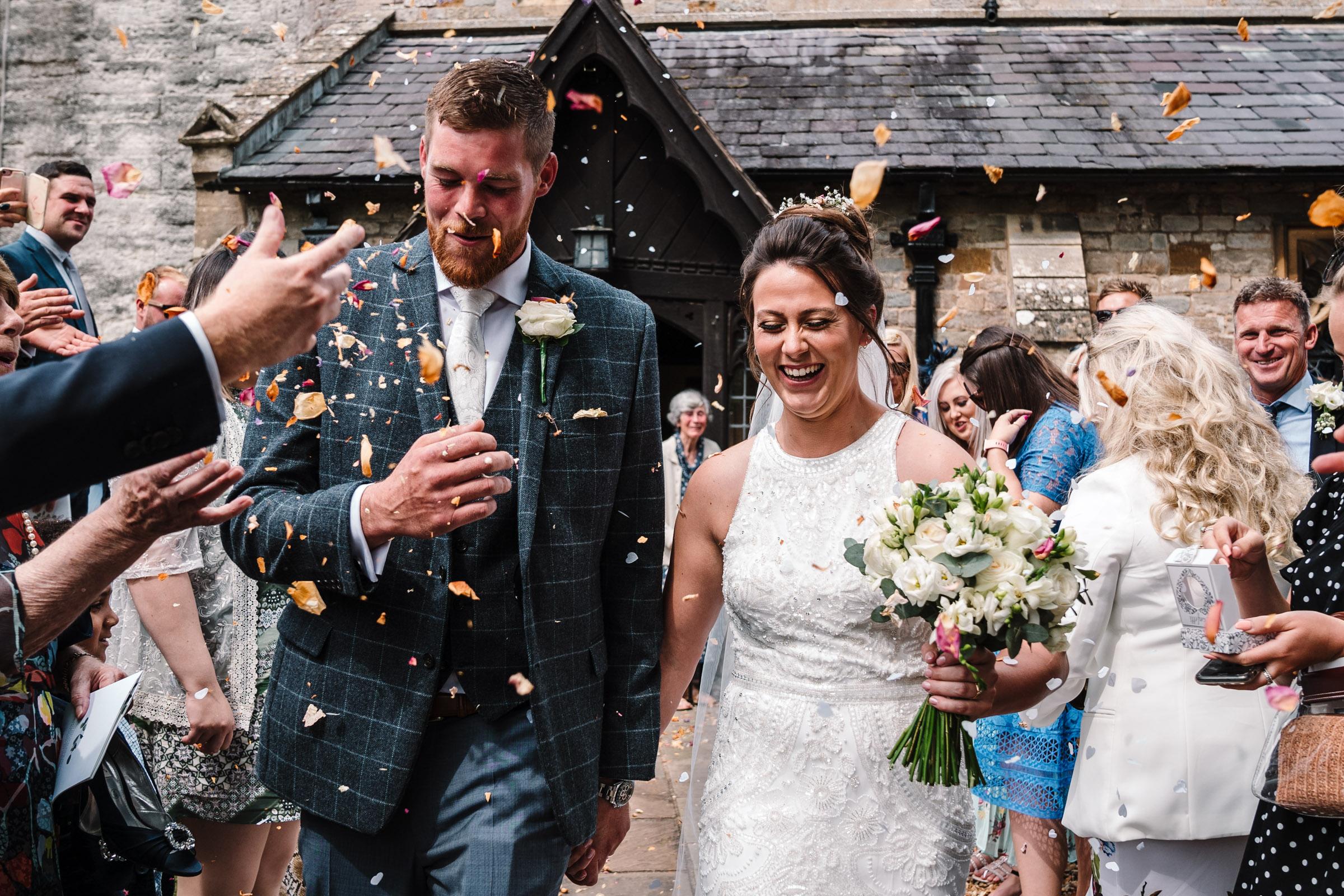 confetti run, bride and groom
